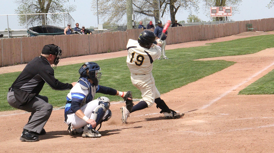 Photo for Jackets and Mustangs Split to Begin Series