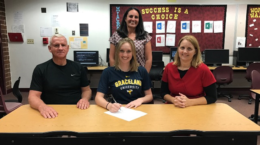Photo for Softball Adds Kassidy Topliff