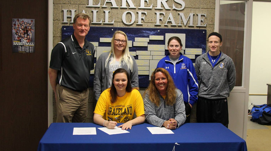 Photo for Emilea Jacobs Signs with Women's Basketball