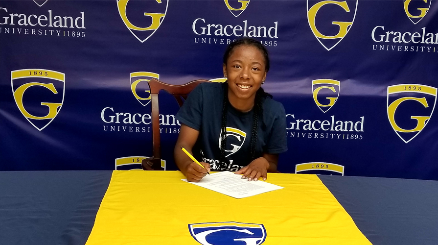 Photo for Shamekia James Signs with Women's Basketball